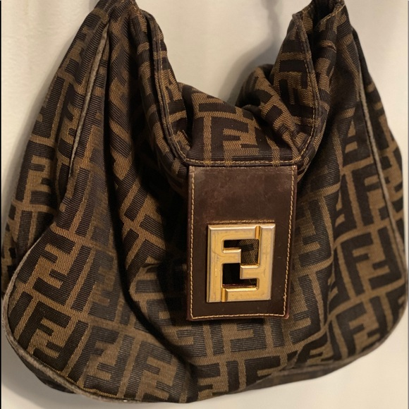 Fendi Handbags - Fendi shoulder bag